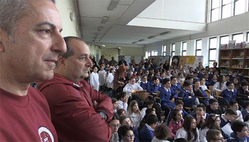 Biblioteca multimediale per i piccoli studenti donata dal Club Colosseo Granata