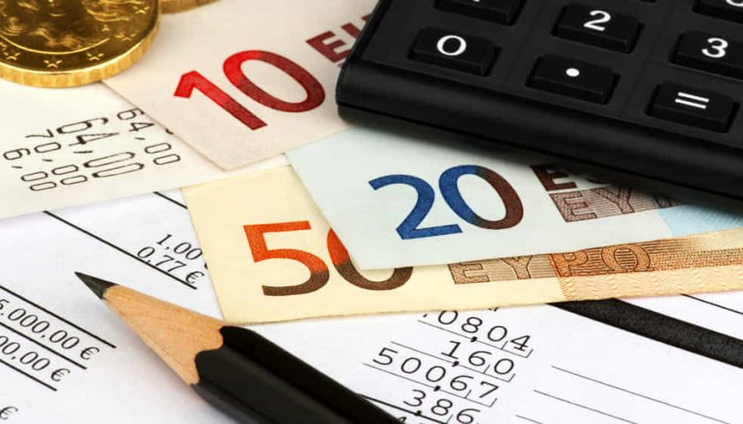 Casa, auto, frigo e tv: debiti per un salernitano su 3