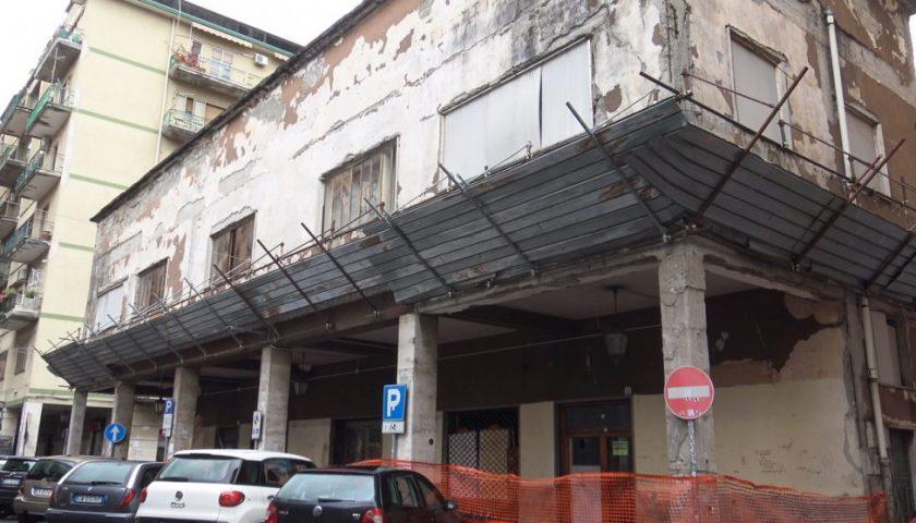 Cava de' Tirreni: sull'ex Cinema Capitol il Tar da ragione al Comune
