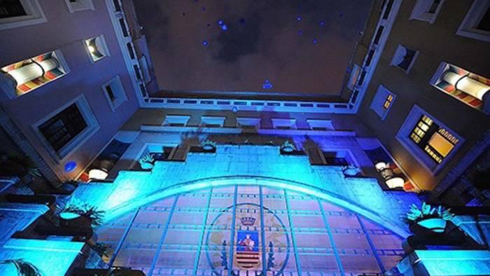 Anche Salerno celebra la giornata mondiale sulla consapevolezza dell'autismo: stasera palazzo di città si colora di blu
