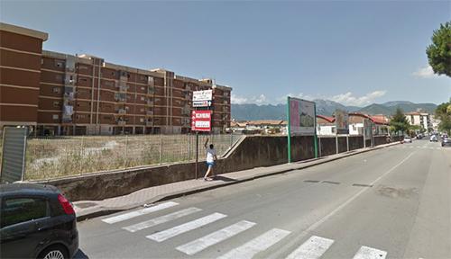 Salerno, area di parcheggio nell'area IACP di Pastena