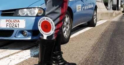Droga in autostrada, arrestata coppia di pusher