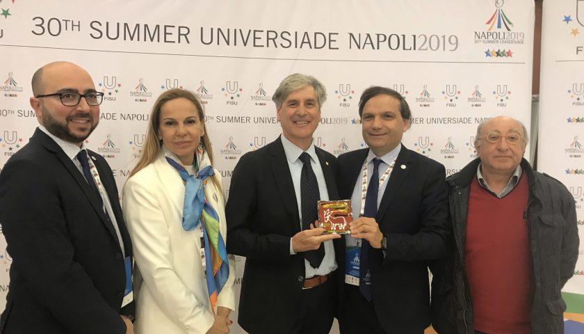 Universiadi 2019: ai capi delegazione l'omaggio in ceramica vietrese della Cna di Salerno