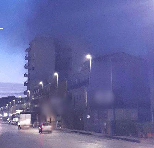 Paura a Sant'Egidio: incendio avvolge case e aziende