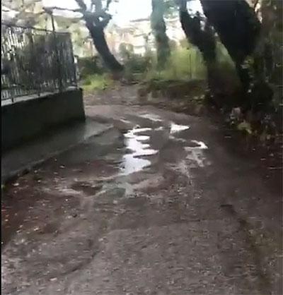 Salerno: via Picarielli, i residenti della zona intrappolati in casa