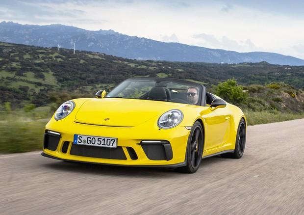 Nuova 911 Speedster, 'distillato' di sportività Porsche