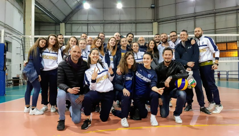 Polisportiva Salerno Guiscards, il team volley saluta i play off tra gli applausi della Palestra Senatore