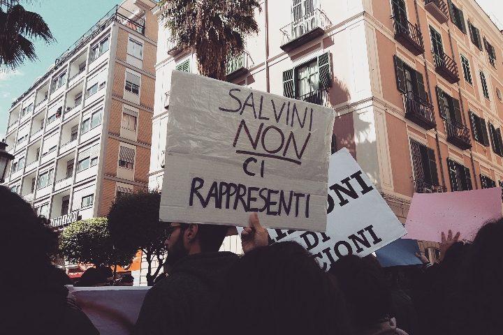 Salvini a Salerno: in piazza anche la voce della dissidenza