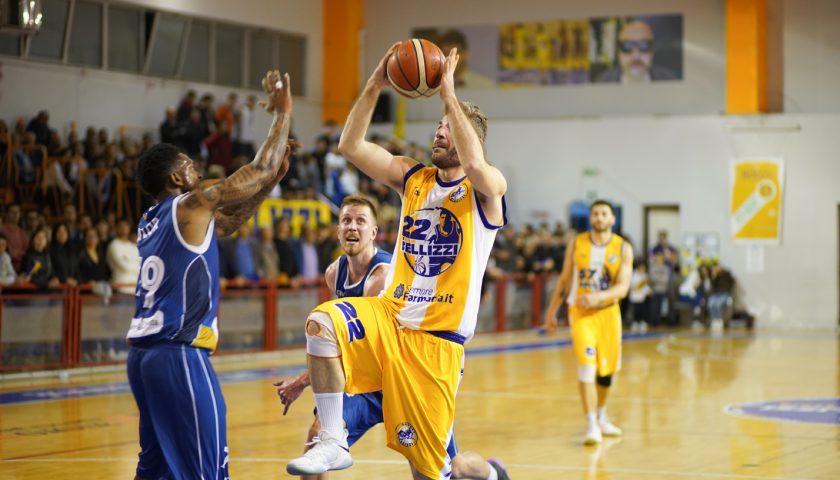 Basket Bellizzi da sogno: battuta Partenope. Verdetto rimandato a gara 3