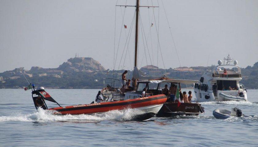 Affonda imbarcazione a Punta Licosa, coppia messa in salvo dalla Guardia Costiera