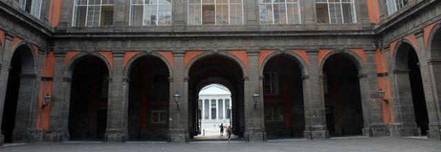 Picnic al Palazzo Reale di Napoli, cacciati studenti e maestre di Eboli