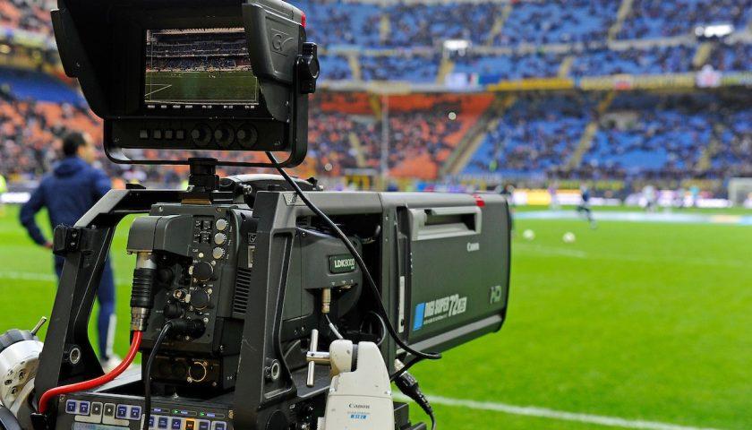 Dopo l'Antitrust ancora noie per Sky: anche il Tar del Lazio conferma la multa per il pacchetto Sky-Calcio chiesta dal Codacons