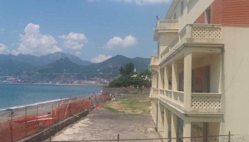 Salerno: murati dalla Polizia Municipale i varchi dell'ex Ostello di Lungomare Marconi