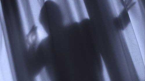 Ladri senza sforzo a Conca dei Marini: trovano finestra aperta e rubano oro e soldi