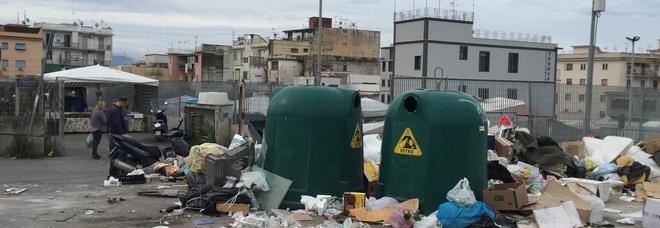 Salerno, vigili in borghese di notte a caccia di ladri di rifiuti indifferenziati