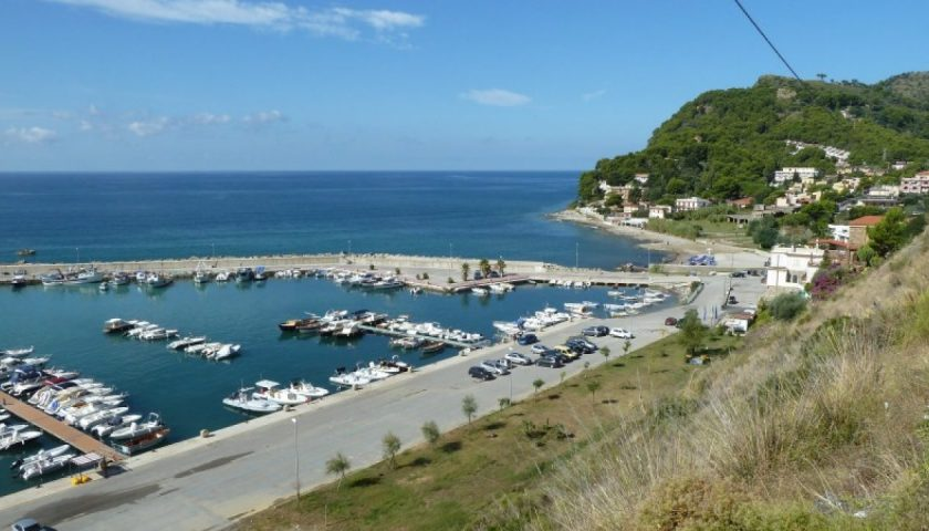 Barche troppo vicine, diportisti sanzionati alle Ripe Rosse di Montecorice