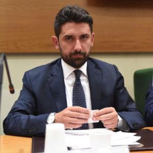 Mercato San Severino, il sindaco chiude la scuola Pesce
