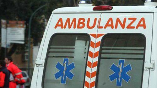Auto si ribalta sull'Aversana, medico salernitano finisce in ospedale