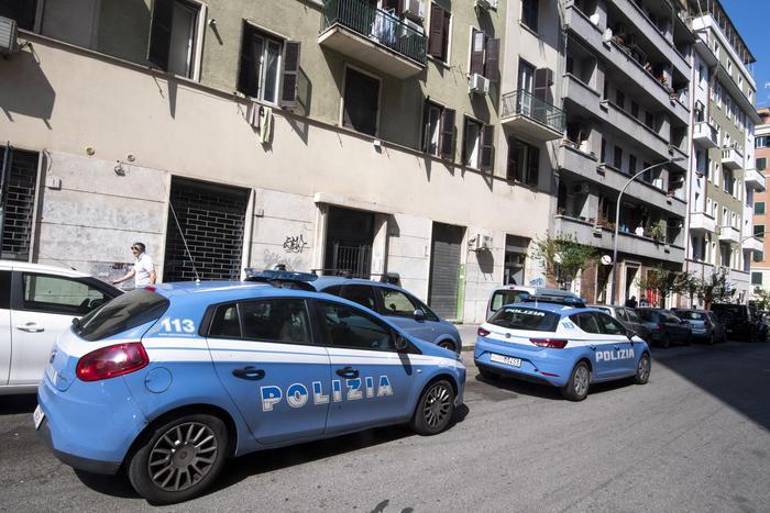 Furti in  appartamento: la Polizia esegue tre ordinanze di custodia cautelare