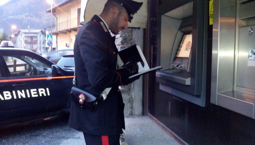 Manomessi bancomat a Positano, presi due bulgari