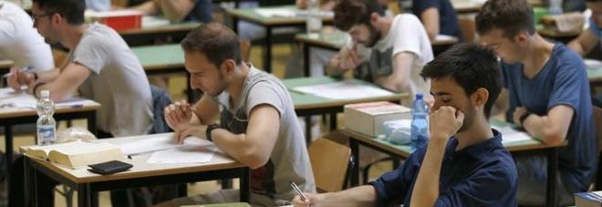 Le scuole riaprono per l'esame di Maturità 2020: la prova orale sarà in classe, a partire dal 17 giugno