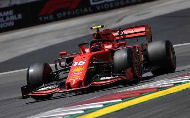 Formula 1: pole di Leclerc in Austria davanti a Hamilton, Vettel solo nono