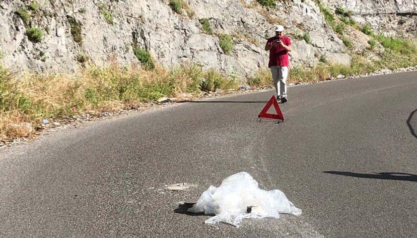 Ravello-Tramonti: si apre voragine al centro della strada