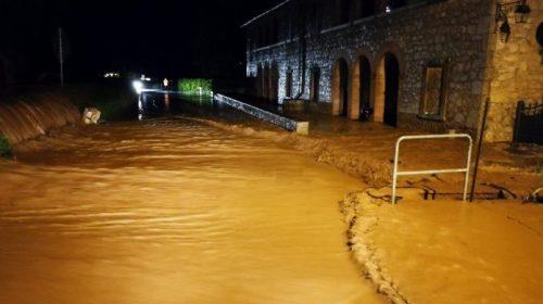 Bomba d'acqua sul Cilento: allagamenti e turisti in fuga