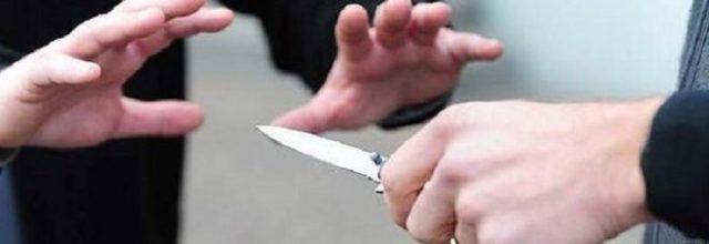Accoltellò il vicino, condanna light; i giudici: «Non fu tentato omicidio»