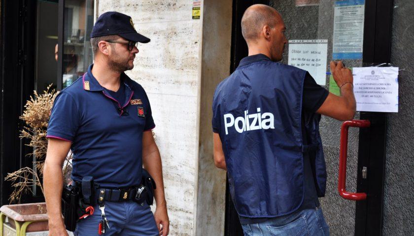 Salerno, controlli della Polizia ai locali di intrattenimento notturno: fioccano le multe