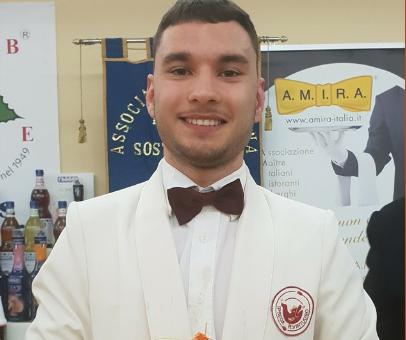 Salerno in lacrime per Gennaro: tanti i messaggi il 18enne del 'Virtuoso'