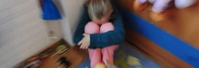 Palpeggia la figlia di 10 anni, indagato per violenza sessuale
