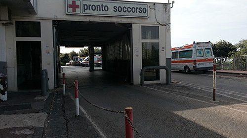 Paura a San Cipriano Picentino: auto sbanda e finisce nella scarpata, conducente al Ruggi