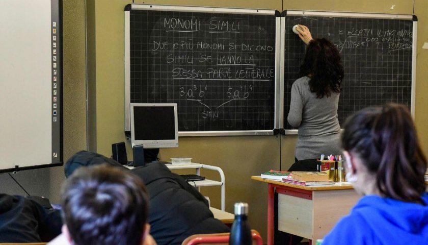Campania, domani screening sul personale scolastico