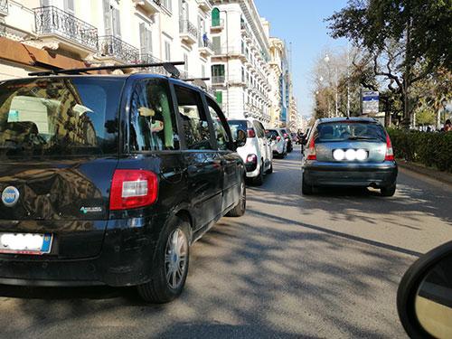 """Inquinamento a Salerno, il sindaco Napoli: """"Tenere bassi i termosifoni"""""""