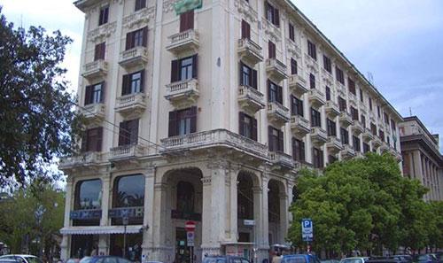 Salerno: pronto ad aprire a Via Roma il nuovo McDonald's, 70 assunzioni