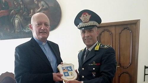 Salerno, il Comandante della Guardia di Finanza Petrucelli incontra l'Arcivescovo Monsignor Andrea Bellandi