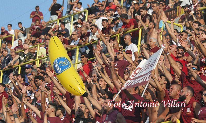 Questura, partenza organizzata dei tifosi della Salernitana  per la trasferta di Cosenza