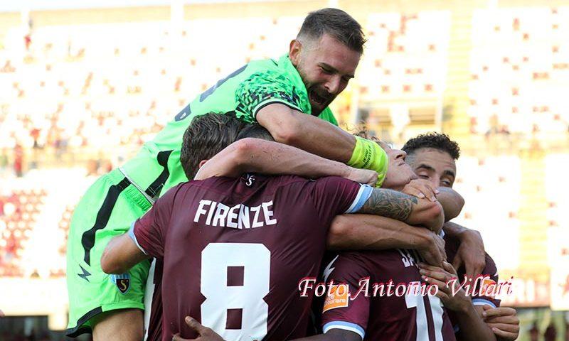 Due su due, la Salernitana sbanca Cosenza grazie a Marco Firenze