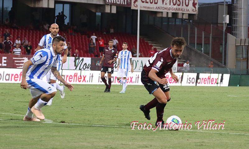 Brutta Salernitana, il Benevento passa all'Arechi grazie alle reti di Viola e Sau