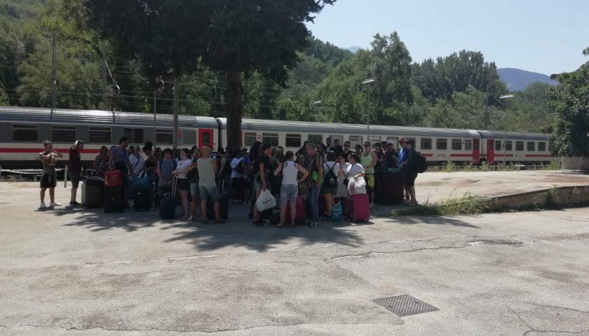 Treno bloccato per un guasto a Sicignano degli Alburni, viaggio da incubo per 270 passeggeri