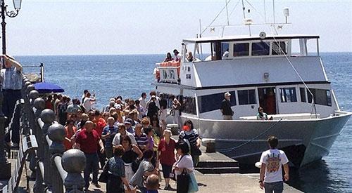 Statale Amalfitana chiusa a Maiori: Travelmar potenzia metrò del mare