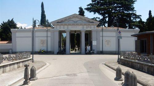 A Nocera Inferiore furto sulla tomba di un bambino, indignazione social