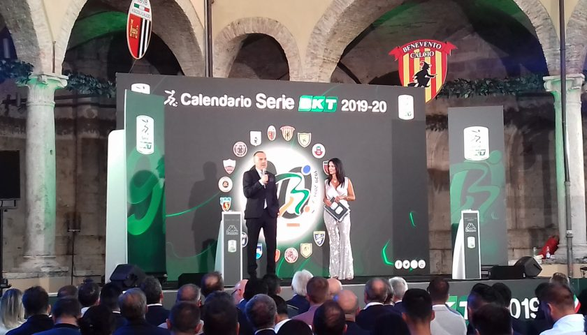 Calendario Partite Pescara.Calendario Serie B Esordio All Arechi Contro Il Pescara Per