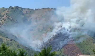 Bruciano le montagne della Valle dell'Irno