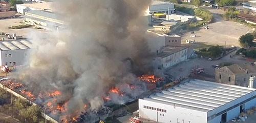 L'incendio di Battipaglia: dopo il rogo scatta il monitoraggio