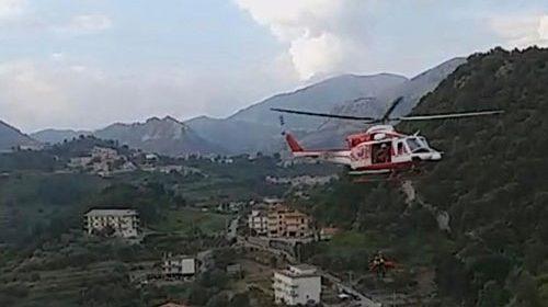 Auto giù nel burrone a Giovi Montena, i quattro feriti restano in prognosi riservata