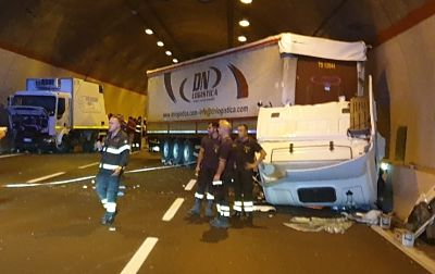 Incidente sull'A2 tra Contursi e Sicignano