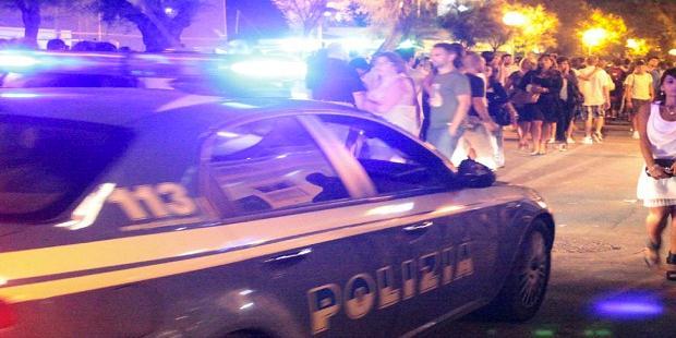 Botte nel centro storico di Salerno tra giovani durante il coprifuoco: feriti e denunce