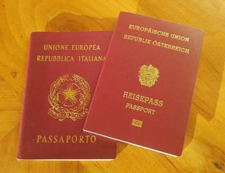 Alto Adige: l'Austria rilancia il doppio passaporto